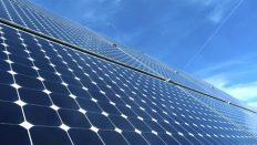 İstanbul'a güneş enerjisi santralı kurdu çalışıyor.
